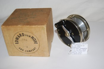"Image for 3 5/8"" EDWARD VOM HOFE No. 504 TOBIQUE 2/0  Multiplier. RHW. No Serial No. [Circa 1940's]  In Original FACTORY BOX. 12 oz. Cap. WF-9 + 150 yd."